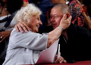 Estela de Carlotto, president of human rights organization Abuelas de Plaza de Mayo (Grandmothers of Plaza de Mayo), embraces Mario Bravo, who was snatched from his mother during the country's last military dictatorship, during a news conference in Buenos Aires, Argentina, December 1, 2015. REUTERS/Marcos Brindicci TPX IMAGES OF THE DAY